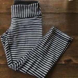 Flawed lululemon parallel cotton stripe crop 4